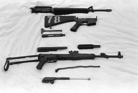 АКМС и M16 сравнение